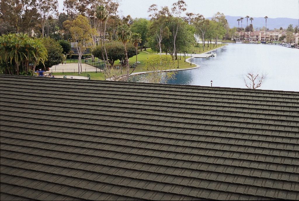 Photos of the roof with composite shingles metroshake Composite roofing tiles